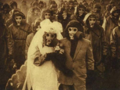 Gas_mask_wedding
