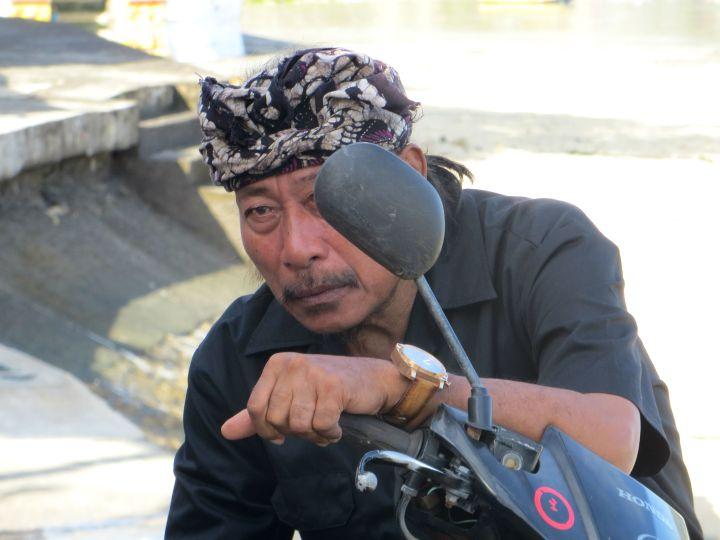 bali nusa lembongan motorbike scooter indonesian poetry