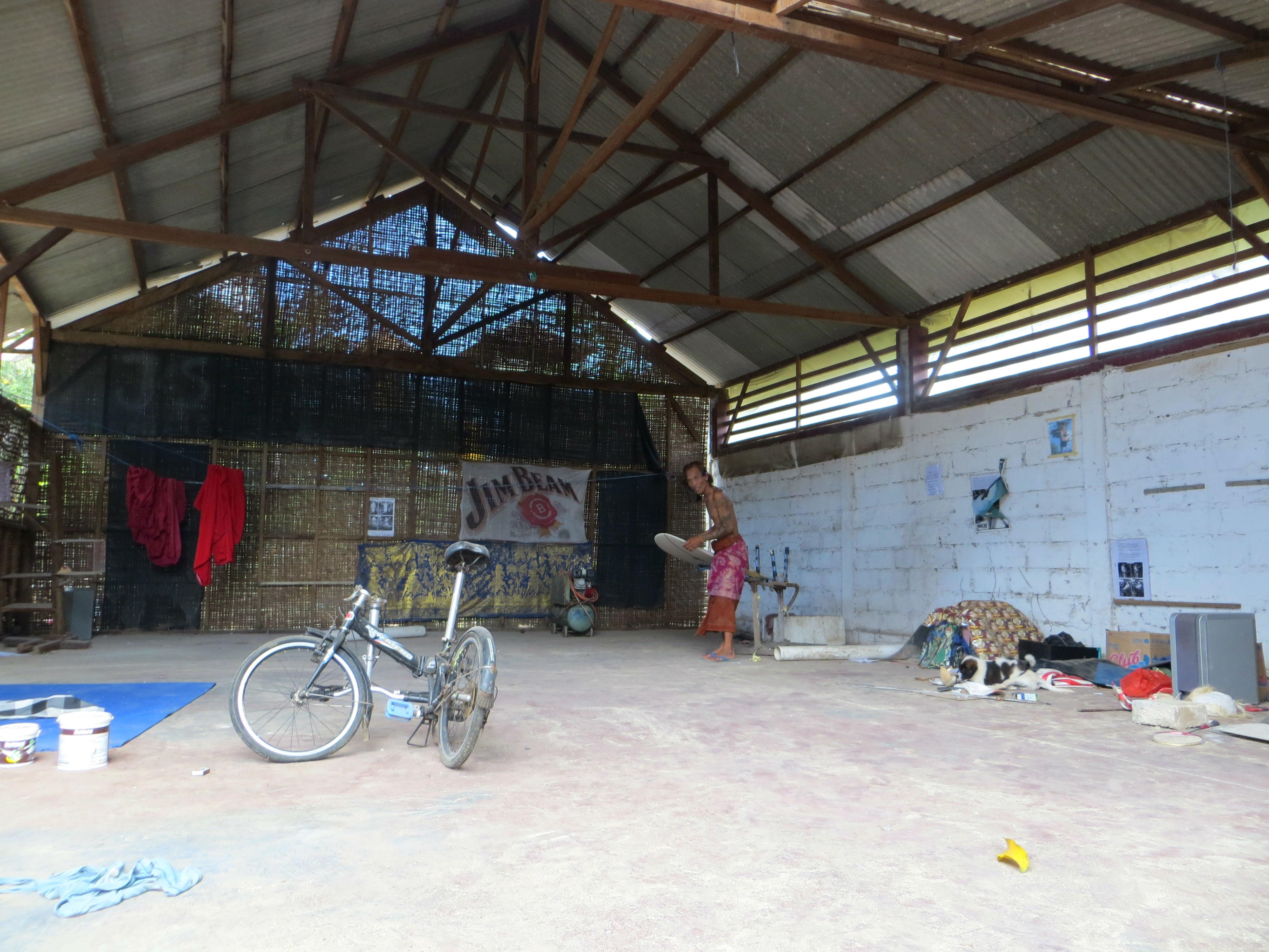 Welcome to my crappy indonesian gym ikimasho