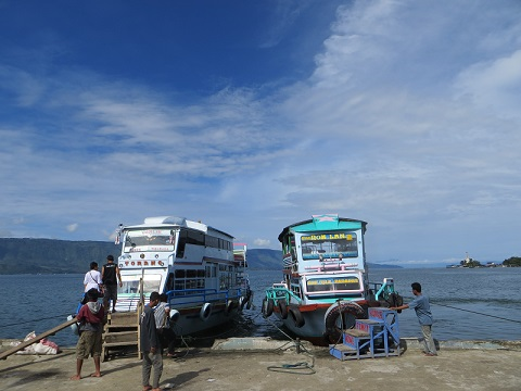 How to get to Lake Toba in Sumatra