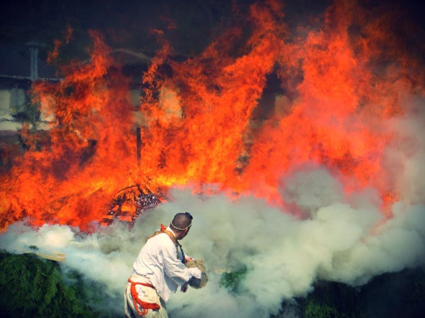 Hiwatari Matsuri: Mount Takao Fire Walking Festival, Tokyo