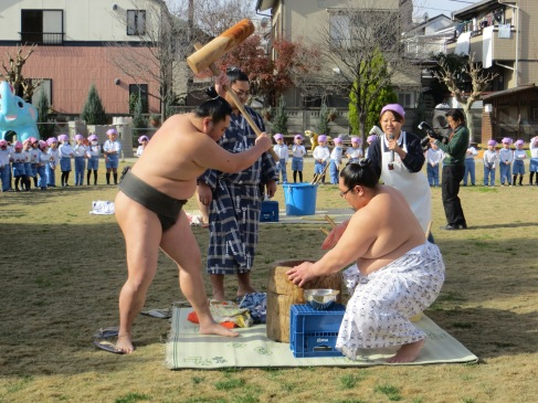 I was part of Omochitsuki – a traditional Japanese festival where cooked rice is pounded with large wooden mallets until it becomes mochi, a much-loved Japanese sweet.
