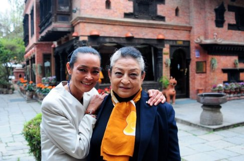 Sangita and her mother who run the hotel. (Photo source: Manager Magazin)