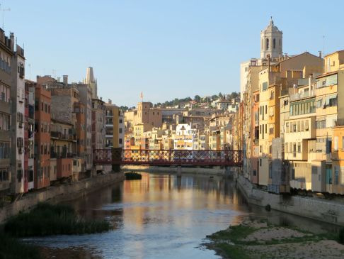 Girona colorful buildings
