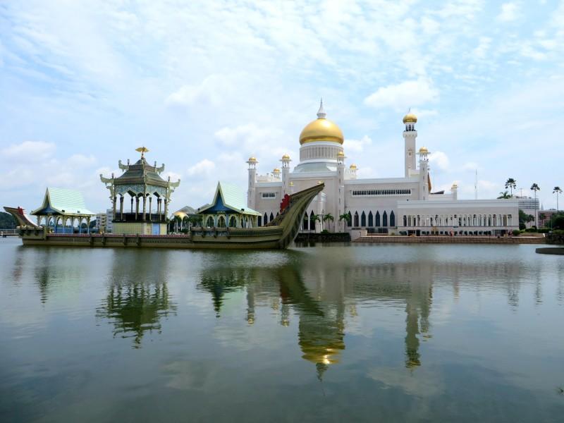 Brunei Sultan Omar Ali Saifuddien Mosque