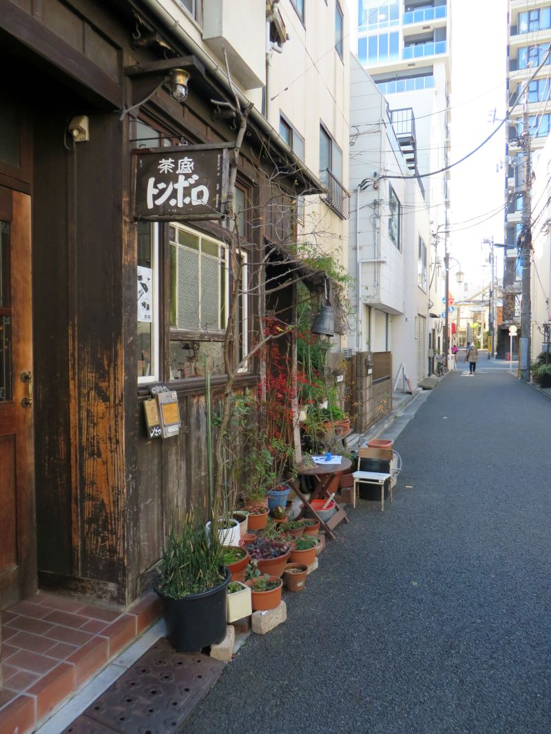 kagurazaka-narrow-street
