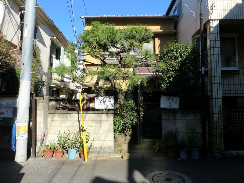 kagurazaka-street-2