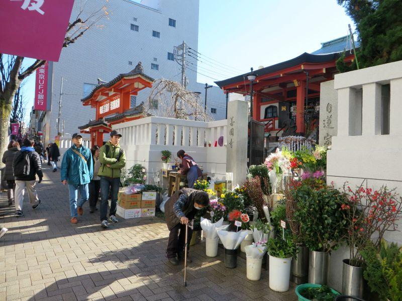 kagurazaka-street-3