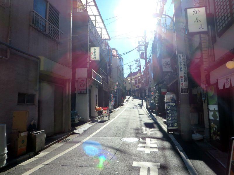 kagurazaka-street-sun