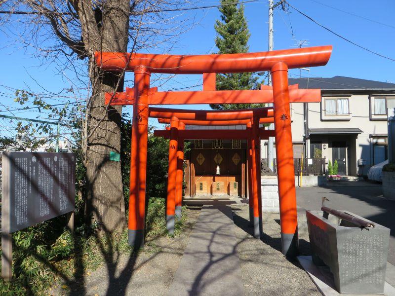 kagurazaka-torii-gate