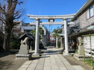 Large torii gate at the entrance of Sumiyoshi shrine
