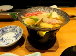 Shiizakana course: Nabe hot pot with scallops