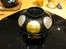 Lidded dish: hamaguri clam shell soup