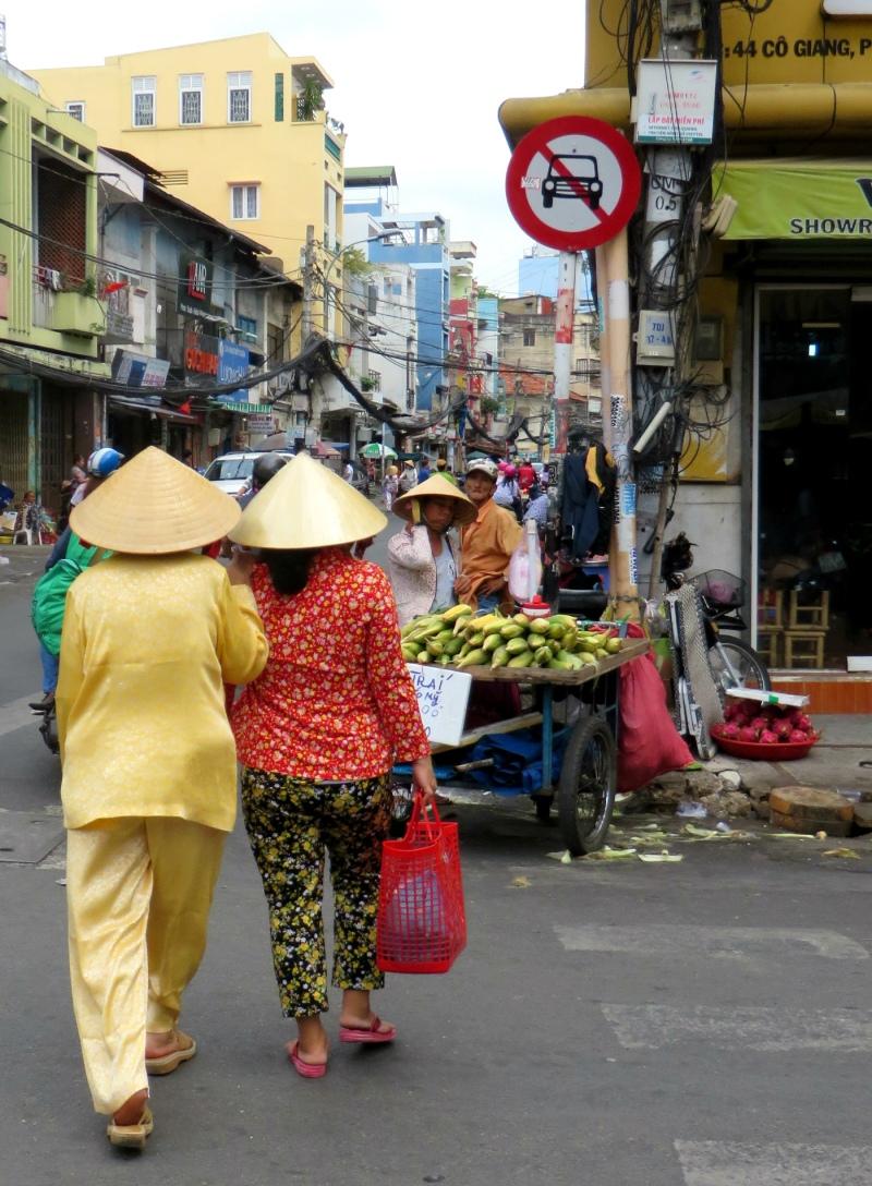 Market near Tran Hung Dao