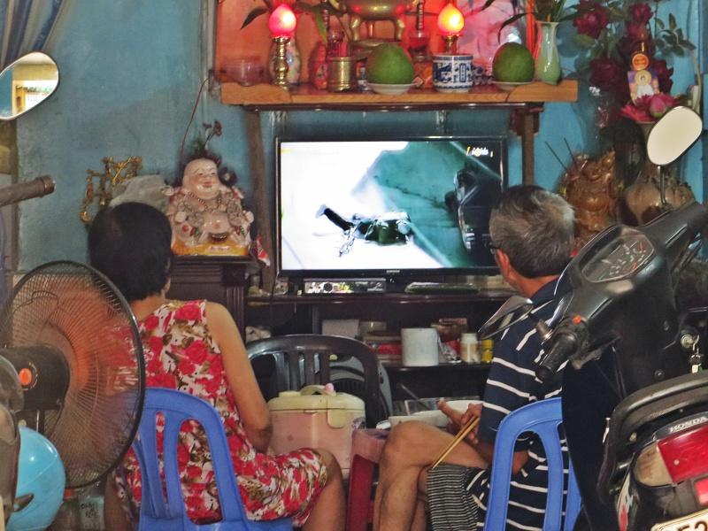 TV colours, Saigon