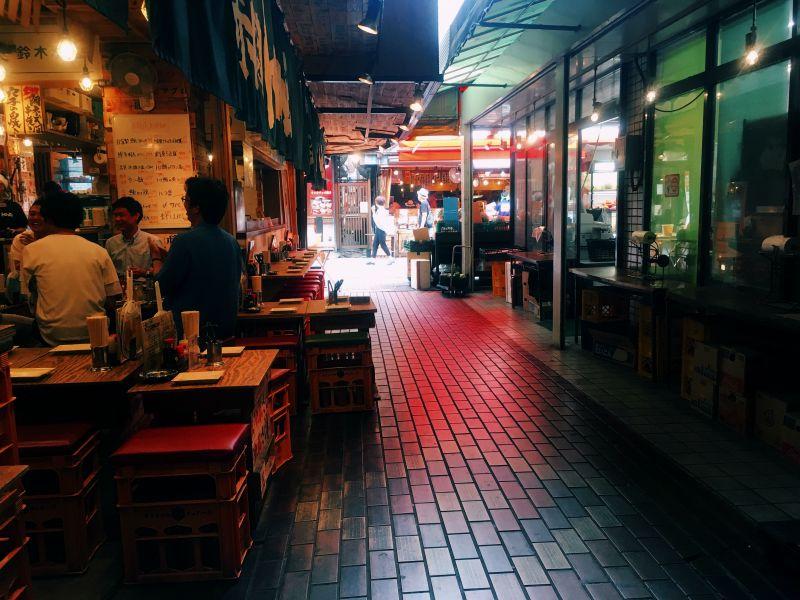 Akabane alleyway tokyo izakaya red light neon
