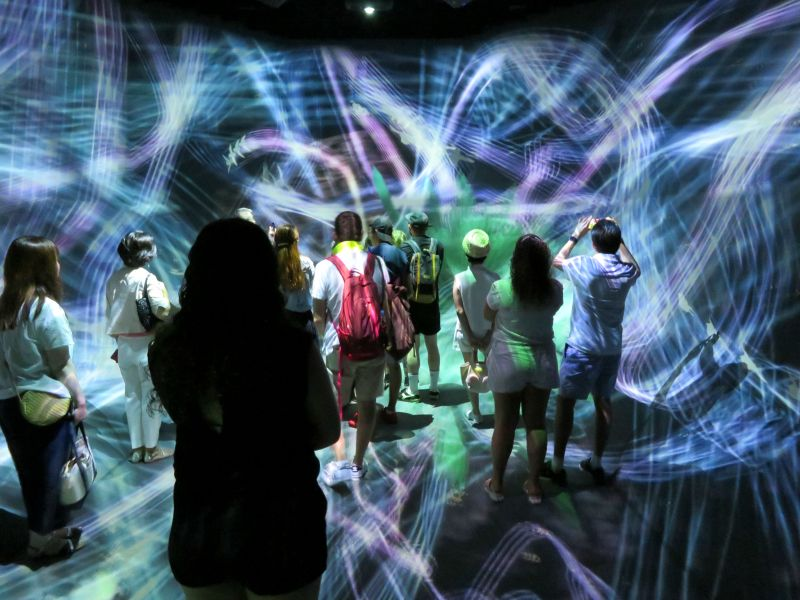 teamlab borderless digital art museum tokyo