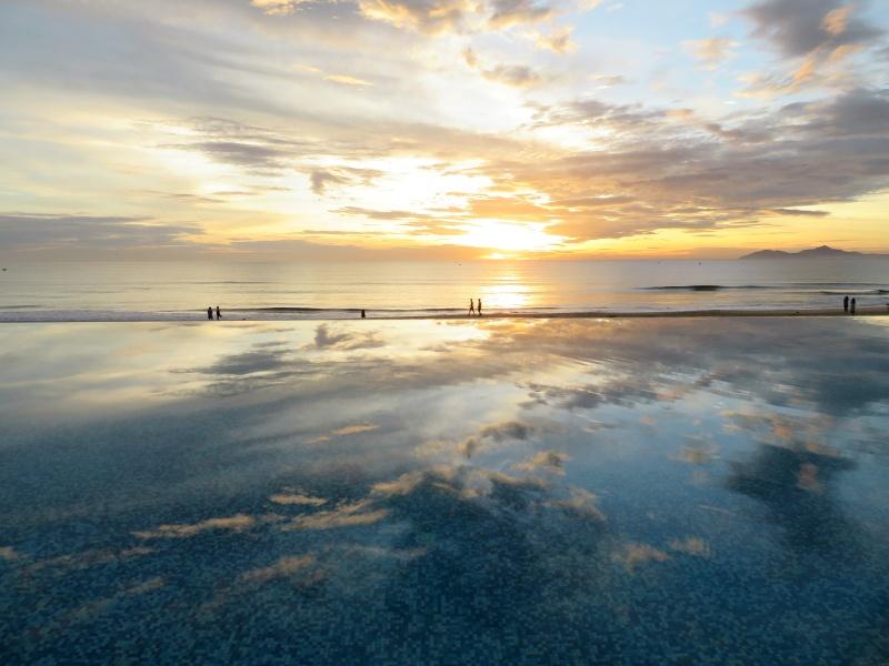 Melia Danang Vietnam sunrise 4